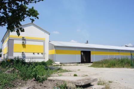 Na predaj administratívna budova, a výrobno-skladovacou halou v Hurbanove Okres Komárno LRo-PN-773