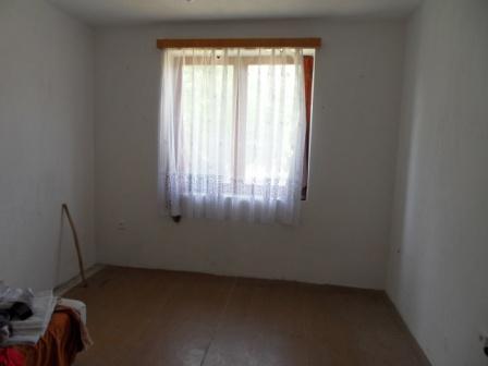 Na predaj rodinný dom s garážou v Patinciach Okres Komárno LRo-PN-787