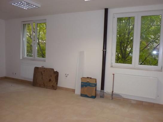 Prenájom  administratívnych priestorov v centre  Okres Komárno VS-PN-570