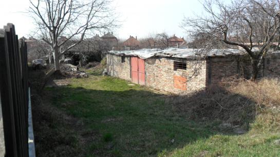 Stavebný pozemok a záhrada Okres Komárno VK-PN-69