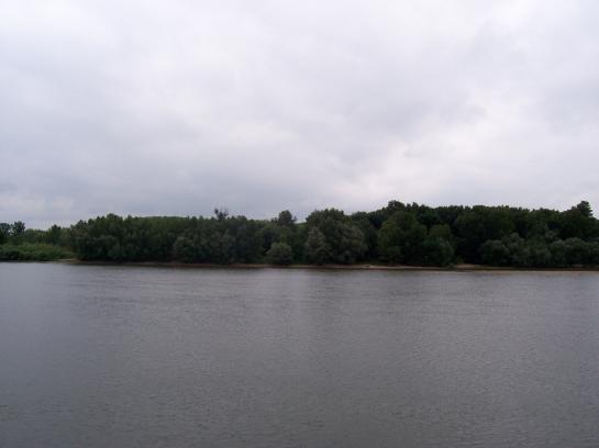 Pozemok na rekreačné účely/ vodné športy.  LRo-P-36 Okres Komárno LRo-PN-33