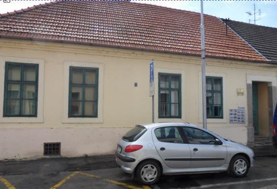 Na prenájom kancelárske priestory v centre Komárna Okres Komárno LRo-PE-1080