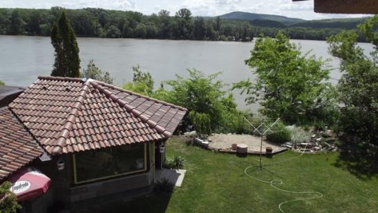 Predám rodinný dom priamo pri Dunaji v Radvaň nad Dunajom Okres Komárno LRo-PN-1272