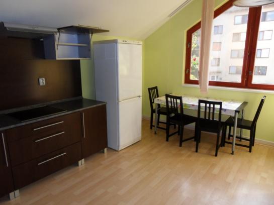 Na prenájom 3-izbový rodinný dom na Leteckom poli Okres Komárno LRo-PN-1302