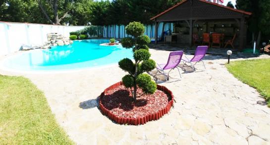 Na predaj rodinny dom s bazénom v Komárne Okres Komárno LRo-PN-1335