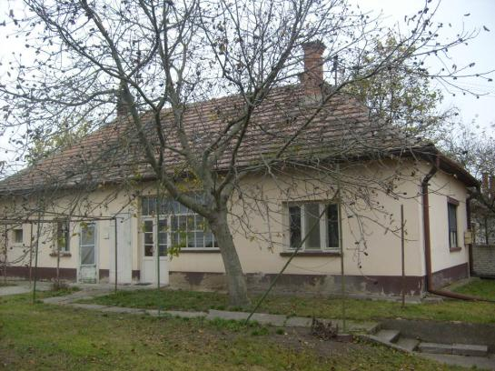 Na predaj 3-izb rodinný dom v Okoličnej na Ostrove Okres Komárno LRo-PN-1343
