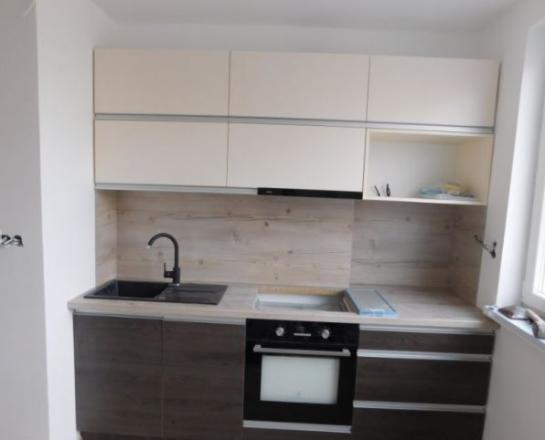 Na predaj 3-izbovy tehlový byt v centre Komárna Okres Komárno LRo-PN-1348