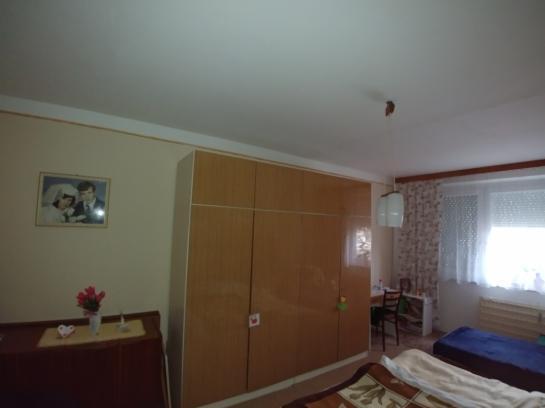 Na predaj veľkoplošný 3-izb. byt na 7. sidlisku County Komárno LRo-PN-1356