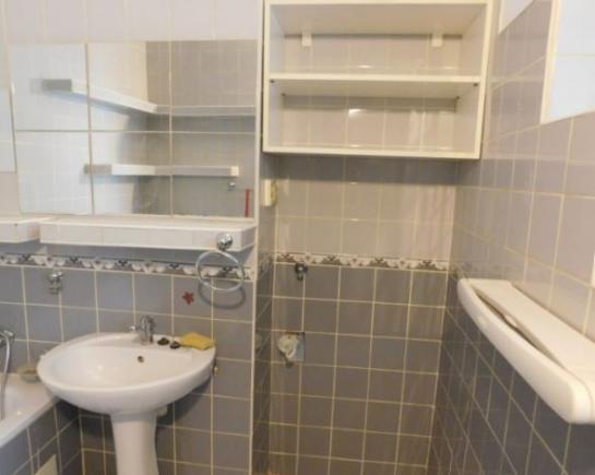 Na predaj 2-izbový tehlový byt s vlastným kúrením KRJ Okres Komárno LRo-PN-1379