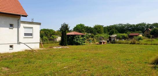 Ns PREDAJ celoročne obývateľná chata - Komárno, časť Nová Stráž  Okres Komárno ksk-PN-1311