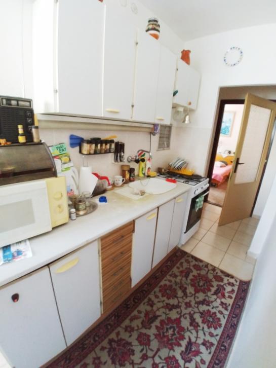 Na predaj priestranný 2-izbový byt na 7 sídlisku Okres Komárno LRo-PN-1386