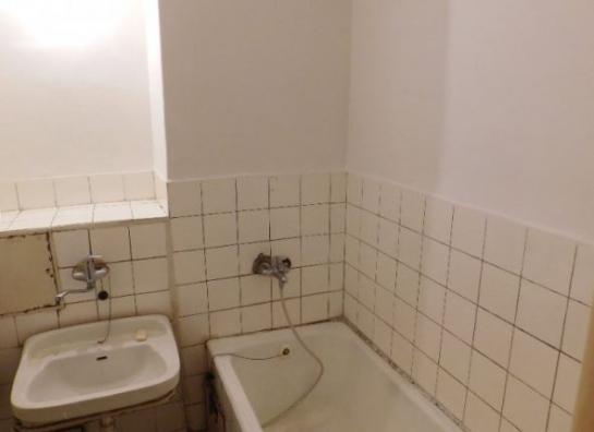 Predám dvojizbový tehlový byt na ul. Budovateľskej v Komárne KRJ Okres Komárno LRo-PN-1404
