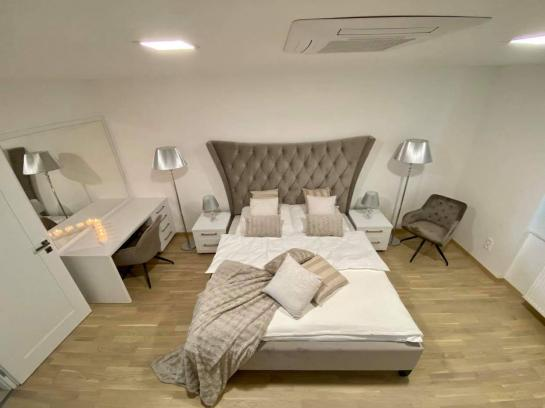 Nadštandardný, zariadený 5 izb.byt na PREDAJ  Okres Komárno ksk-PN-1438