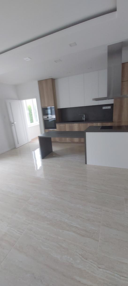 Nadštandardné bývanie v KN - 2 izb.byt na PREDAJ  Okres Komárno ksk-PN-1440