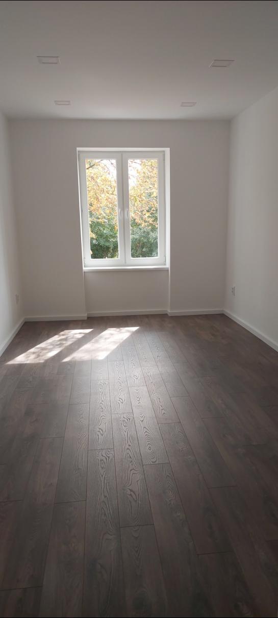 Krásny zrekonštruovaný 3 izbový tehlový byt- Komárno Okres Komárno ksk-PN-1441