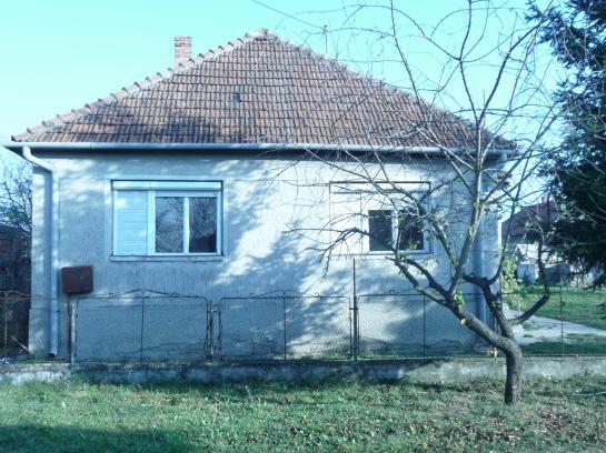 2-izbový rodinný dom na 13á pozemku, Veľké Kosihy Okres Komárno LRo-PN-435