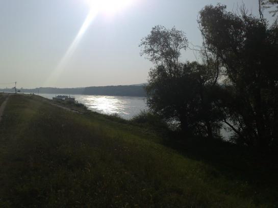17á stavebný pozemok s domom na brehu Dunaja Okres Komárno LRo-PN-467