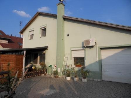 3+1 izbový rodinný dom s garážou na sídl.7 Okres Komárno LRo-PN-554
