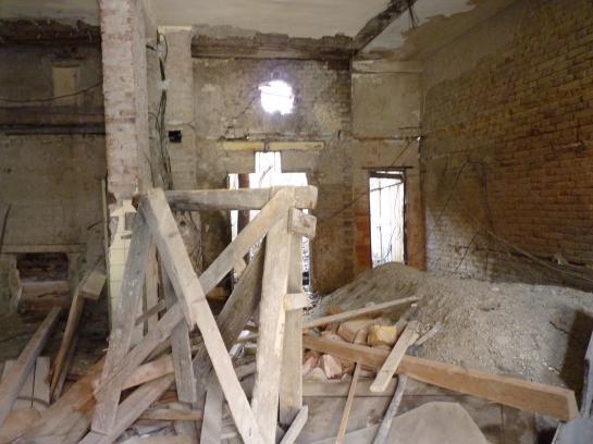 Stavebný pozemok v centre mesta   Okres Komárno VS-PN-101